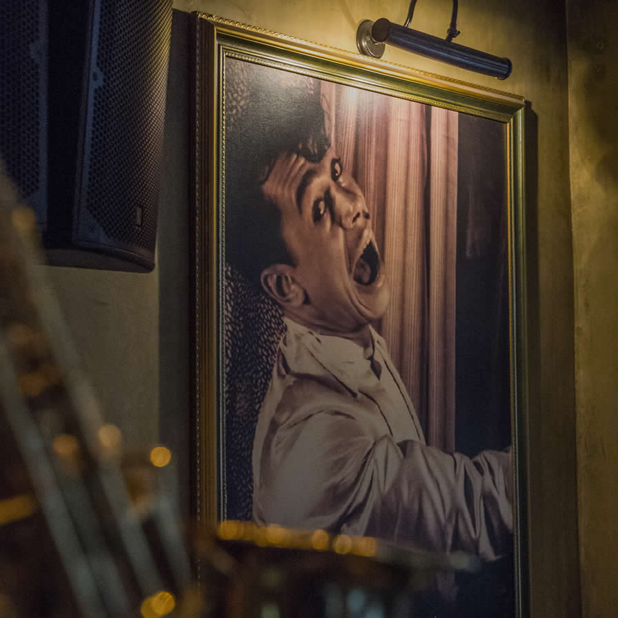 Minnie The Moocher | All day Classic bistrot-bar, Τσακάλωφ 6, Κολωνάκι